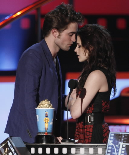 Robsten Best Kiss 2009