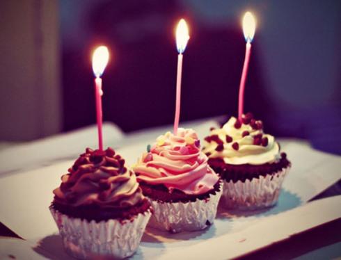 3rd blogoversary cupcakes