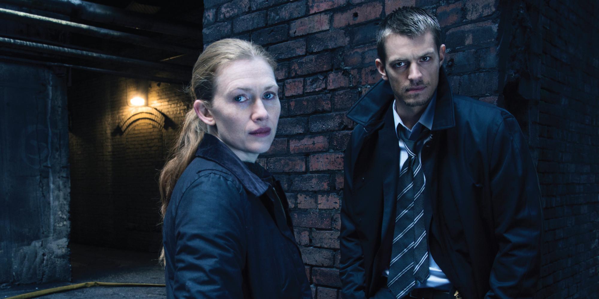 Sarah Linden (Mireille Enos) and Stephen Holder (Joel Kinnaman)  in The Killing